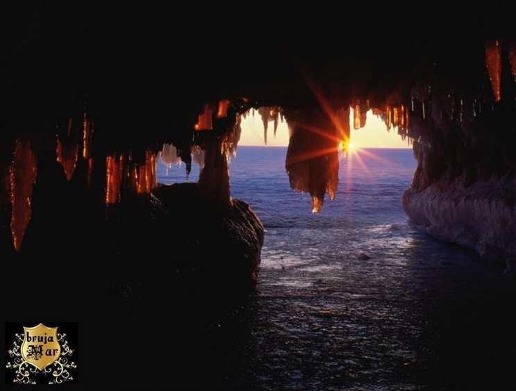 CuevasWisconsin-debrujaMar-0702