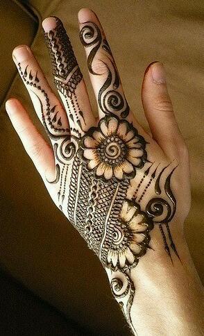 Elegant Beauty For Gals Simple Mehndi Designs