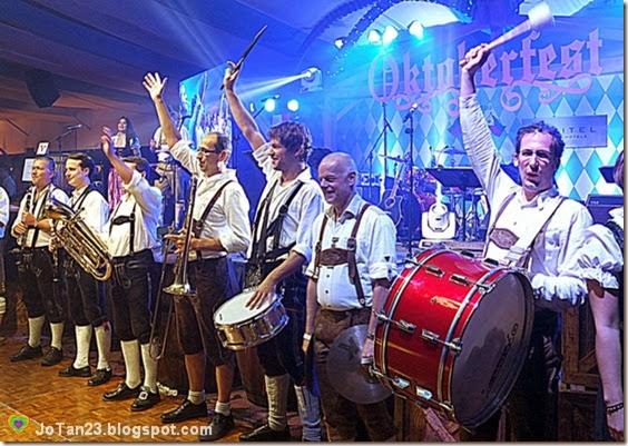 oktoberfest-2013-sofitel-bavarian-sound-express-jotan23