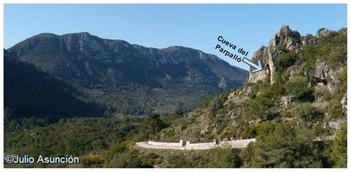 La Cueva del Parpalló desde la ladera de Mondúver