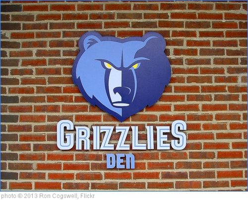 'Grizzlies Den -- FedExForum Memphis (TN) March 2013' photo (c) 2013, Ron Cogswell - license: http://creativecommons.org/licenses/by/2.0/