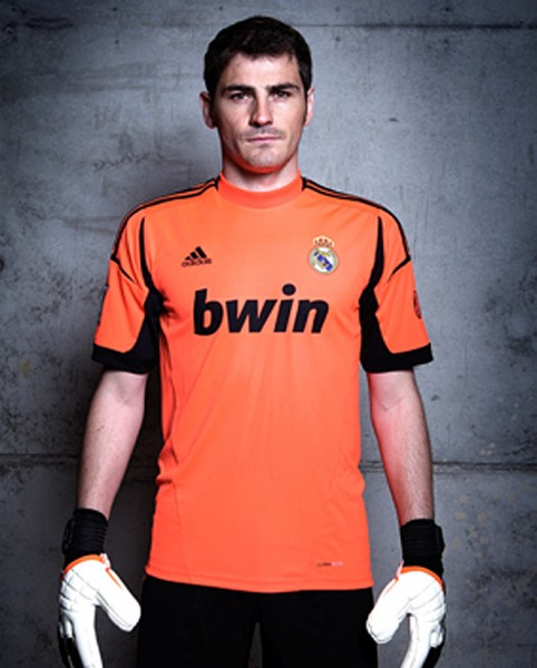 iker-casilas-with-new-jersey-el-real