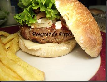 Hambúrgueres no pão caseiros (Pão de hambúrguer)