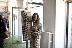 agnese nano indossa un abito in seta della collezione PE 2014 - ph. f.pizzo