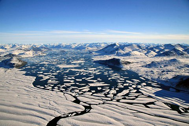 The Ward Hunt ice shelf in Canada is rapidly disappearing. Canada's Arctic ice shelves, formations that date back thousands of years, have been almost halved in size over the last six years, Canadian researchers said on Tuesday, 27 September 2011. Denis Sarrazin / Reuters