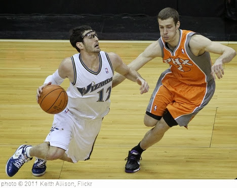 'Kurt Hinrich and Goran Dragic' photo (c) 2011, Keith Allison - license: http://creativecommons.org/licenses/by-sa/2.0/