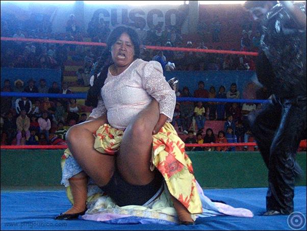 cholitas luchadoras.png