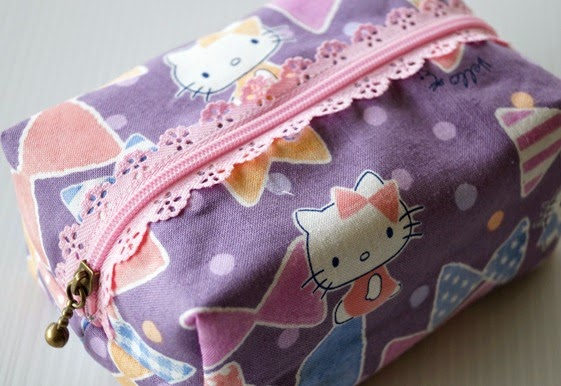 Lip Gloss Pouch - Hello Kitty 2