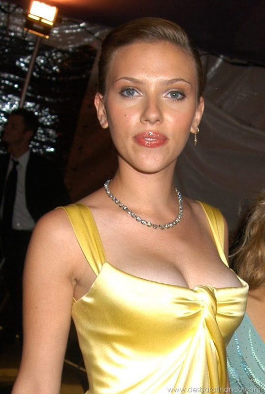 scarlett-johansson-linda-sensual-sexy-sexdutora-tits-boobs-boob-peitos-desbaratinando-sexta-proibida (226)