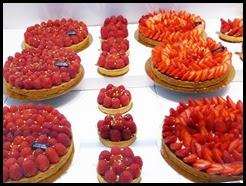 LGE raspberry cakes