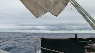 Böse Wolke, auf halbem Weg zwischen Neuseeland und Fiji.