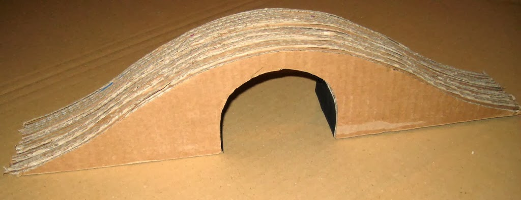 [Cardboard%2520train%2520tunnel%2520bridge%2520Tracks%2520for%2520thomas%2520-%2520Step%25202%255B5%255D.jpg]