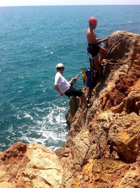 rappel-playa-coasteering.jpg