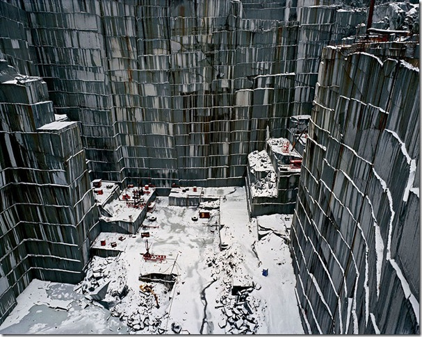 Edward Burtynsky_Rock of Ages #15 - Quarry at Vermont