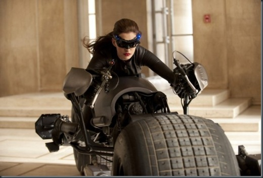 The-Dark-Knight-Rises-Catwoman-700x465-600x398