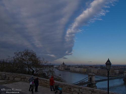 sky_20120107_parlament