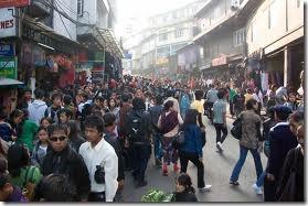 http://lh3.ggpht.com/-M5lM0La8Y5I/TktVGtH13DI/AAAAAAAAOn8/_KMmLRRRNw4/crowded-street-in-Aizawl-Mizoram_thu.jpg
