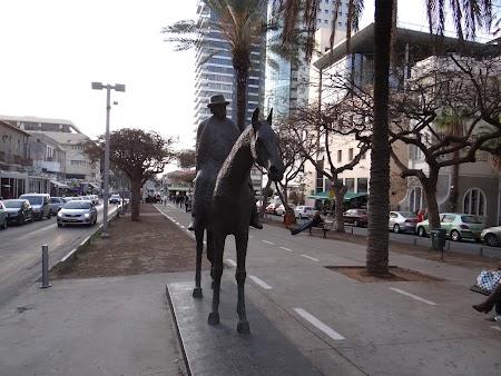 Statuia primarului Tel Aviv