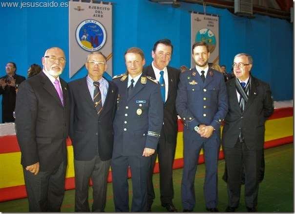 La comisión de la Cofradía en la Base Aérea de Albacete
