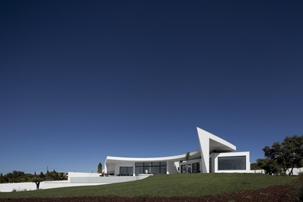 Casa-Colunata-Mario-Martins-Atelier-