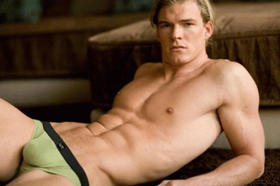 alan ritchson12