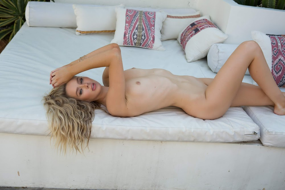 [Playboy Plus] Thera Jane - Moment of Zen