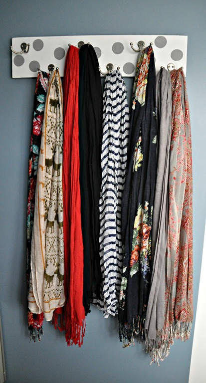 [diy%2520scarf%2520hanger%2520by%2520decor%2520and%2520the%2520dog%255B5%255D.jpg]