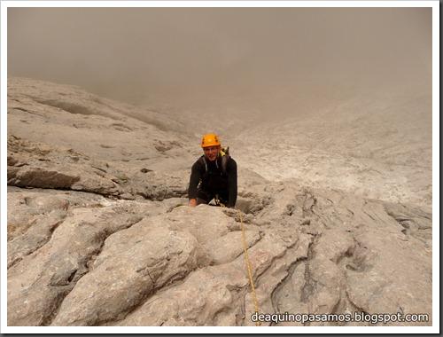 Via Directa de Los Martinez 250m D- V- (Picu Urriellu, Picos de Europa) (Omar) 0865