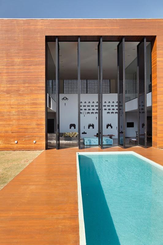LA house by studio guilherme torres 3