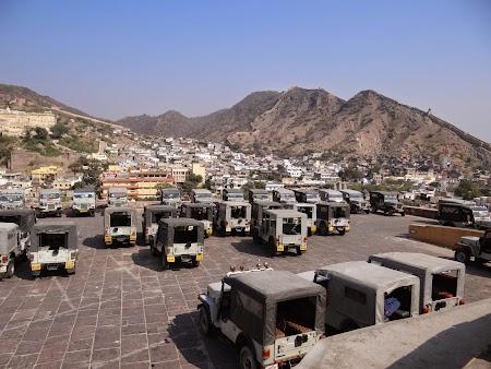 34. Parcare jeepuri.JPG