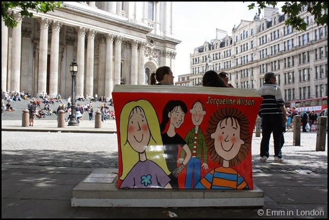 Jacqueline Wilson book bench back