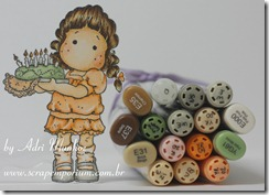 Adri Munhoz_Birthday Tilda_Copic Markers