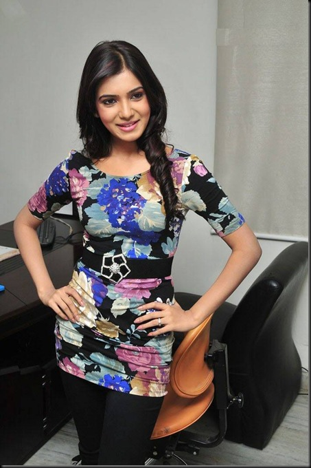 Samantha-latest-stills02