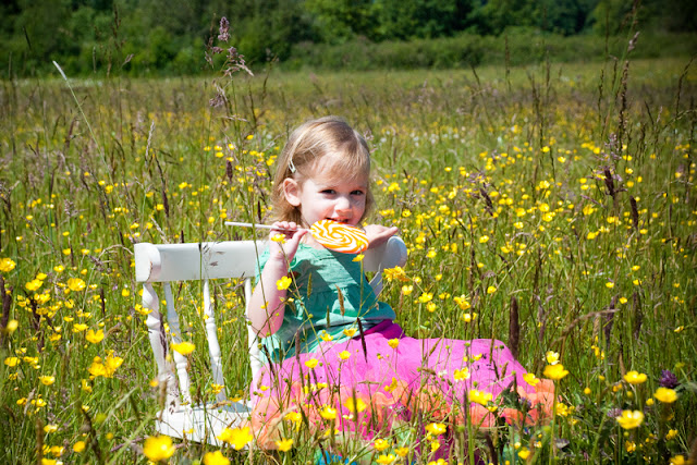 Mar/Apr 2011 - 2nd Place / Enjoying a sweet treat in the springtime sunshine at Hovander Homestead Park in Ferndale / Credit: Jen Martin Studios