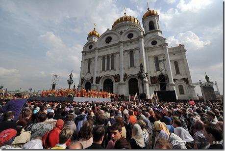 Коллективный молебен в защиту церкви. Москва, 22 апреля 2012 г.