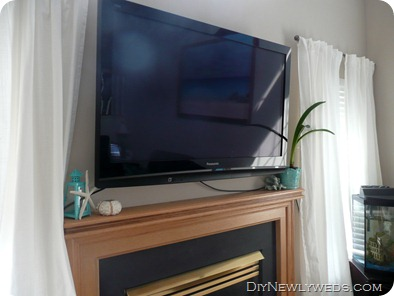tv_cords_above_fireplace