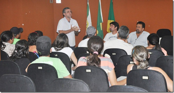 Roberto_Germano_na_reuniao_com_permissionarios_004
