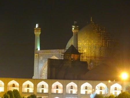 39. Moschee luminata.JPG