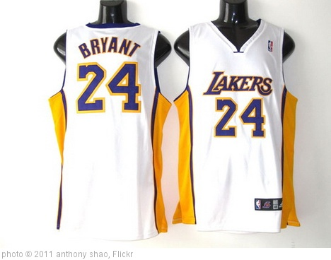 'Los Angeles Lakers 24 Kobe Bryant white' photo (c) 2011, anthony shao - license: http://creativecommons.org/licenses/by-sa/2.0/