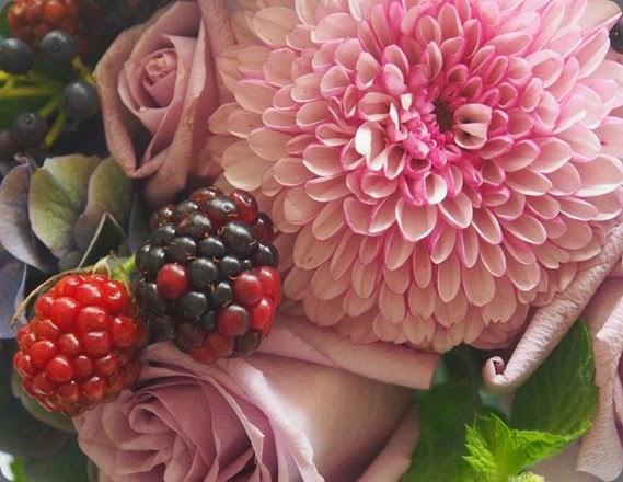 mum pompom1236971_10151888239466257_193730425_n solomon bloemen