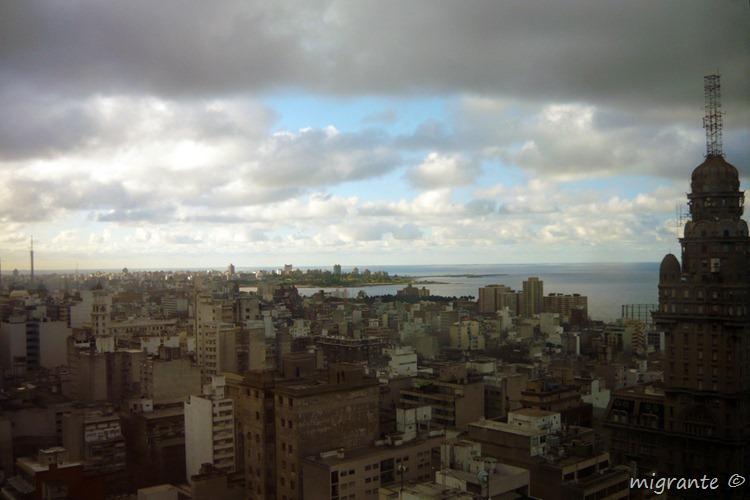 en la ciudad - palacio salvo - montevideo - uruguay