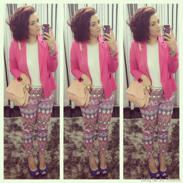 look calça estampa étnica e blazer pink (1)
