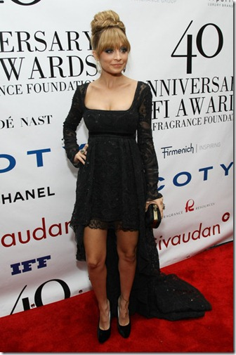 Nicole Richie 40th Annual Fifi Awards Outside qXDMt0xiFPil