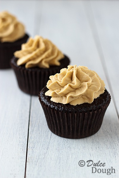 [Chocolate-Cupcakes-with-Bis4.jpg]