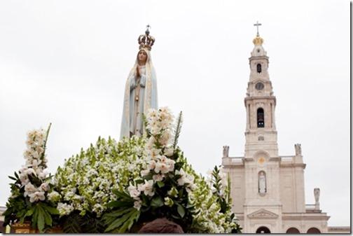 Peregrinação Internacional Aniversária: Eucaristia, bênção dos doentes e procissão do adeus