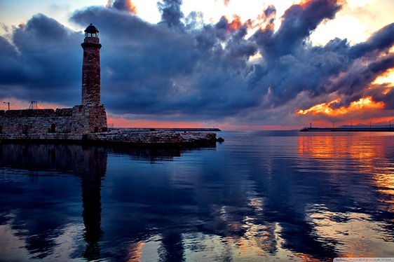 lighthouse_at_sunset