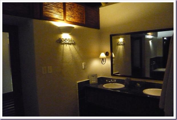 Thornybush-Game-Lodge-Hoedspruit-África-do-Sul-Reserva-Hotel-Pia-Banheiro