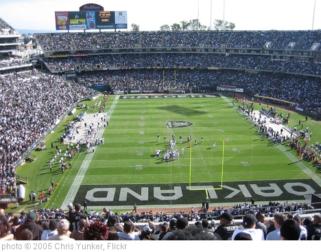 'Oakland Colosseum' photo (c) 2005, Chris Yunker - license: http://creativecommons.org/licenses/by-sa/2.0/