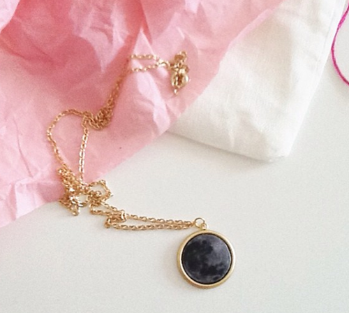 [instagram_moon_necklace_thumb12.png]