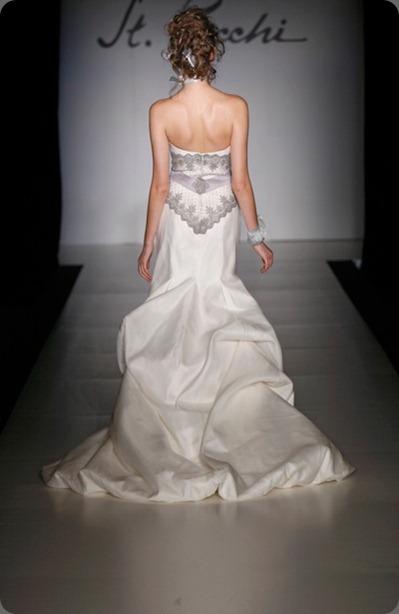 wedding dress St Pucchi Style 540- Back_1